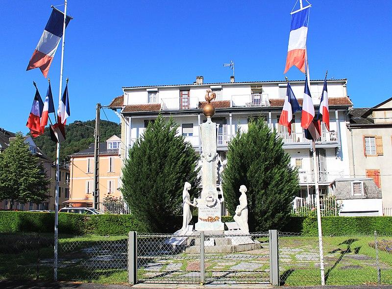 Photo du Monument Historique Monument aux morts situé à Bagnères-de-Bigorre