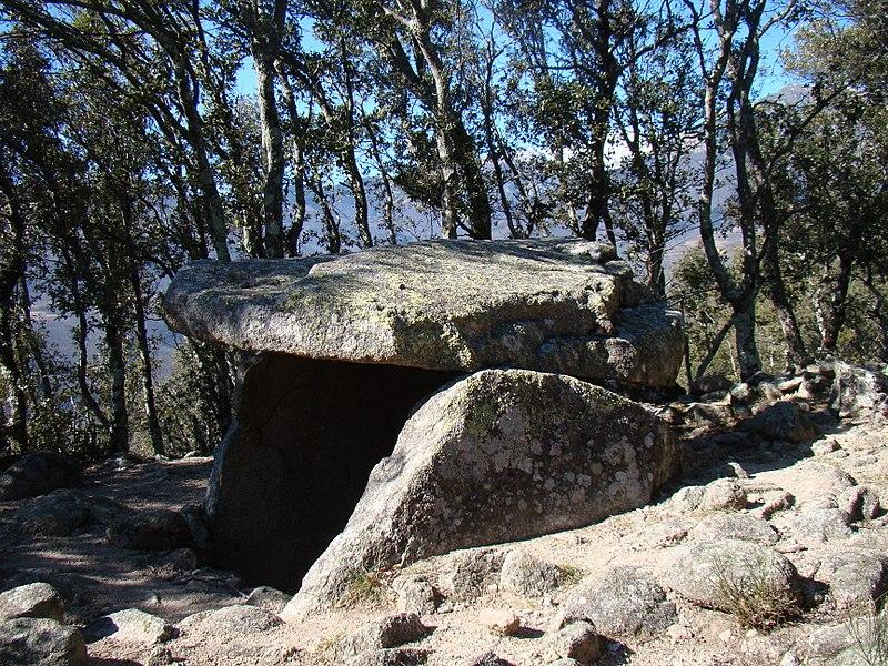Photo du Monument Historique Dolmen situé à Arles-sur-Tech