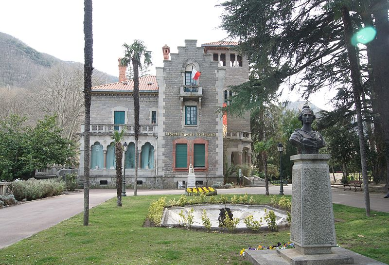 Photo du Monument Historique Villa Las Indis, actuellement hôtel de ville situé à Arles-sur-Tech