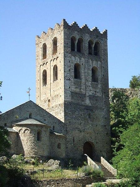 Photo du Monument Historique Abbaye de Saint-Martin du Canigou situé à Casteil