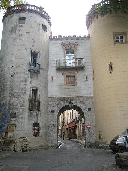 Photo du Monument Historique Ancien portal de France situé à Céret