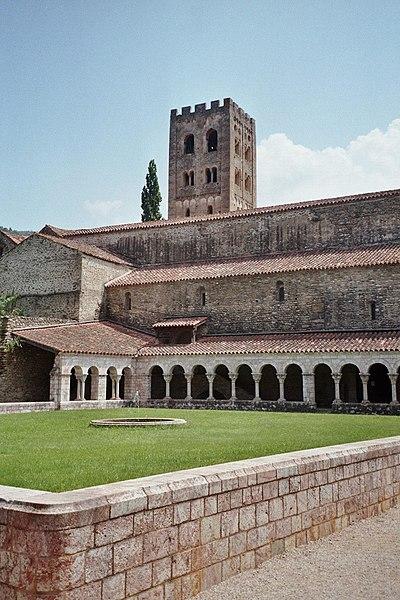 Photo du Monument Historique Ancienne abbaye de Saint-Michel de Cuxa ou Cuixà situé à Codalet