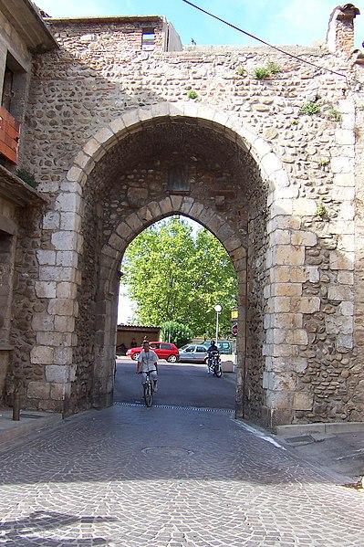 Photo du Monument Historique Porte de Perpignan situé à Elne
