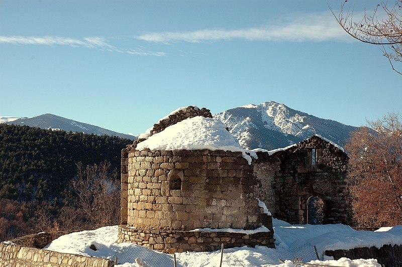 Photo du Monument Historique Vestiges de l'ancienne église Saint-Pierre situé à Fillols