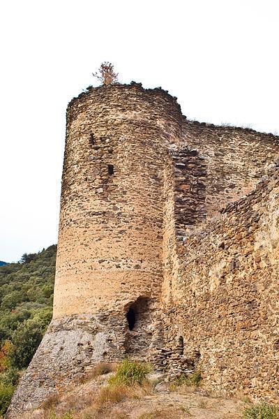 Photo du Monument Historique Ruines du château d'Evol situé à Olette