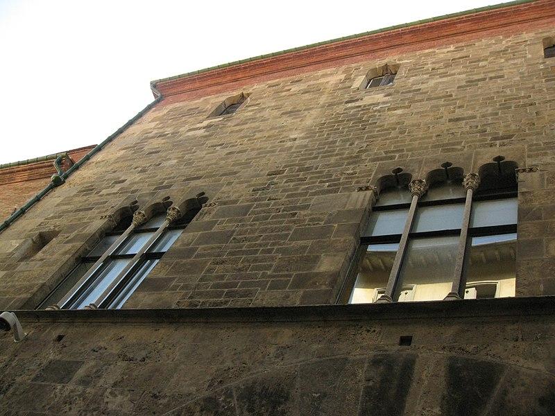 Photo du Monument Historique Ancien palais de justice situé à Perpignan