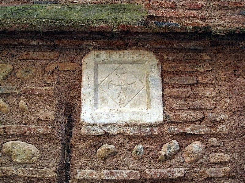 Photo du Monument Historique Pierre incrustée situé à Perpignan