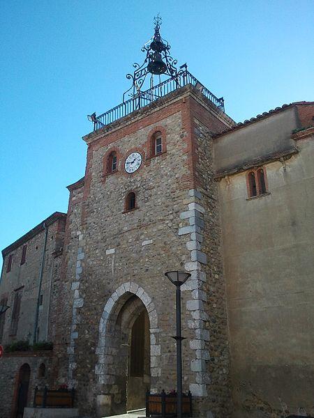 Photo du Monument Historique Ancienne porte fortifiée situé à Pézilla-la-Rivière