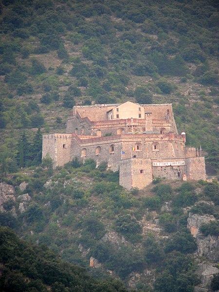 Photo du Monument Historique Fort Libéria (également sur commune de Fuilla) situé à Villefranche-de-Conflent
