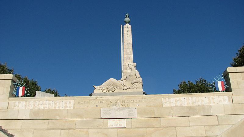 Photo du Monument Historique Monument aux morts situé à Port-Vendres