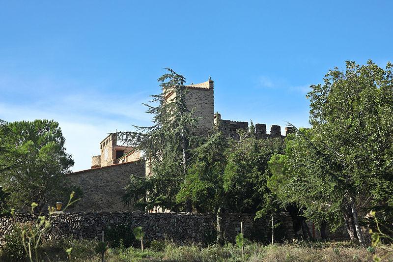 Photo du Monument Historique Château de Cuxous situé à Cassagnes