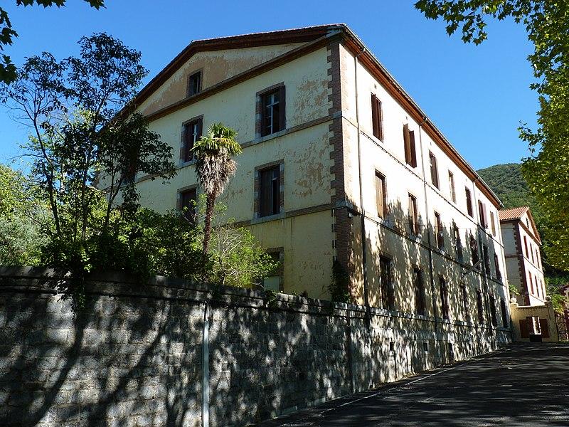 Photo du Monument Historique Ancien hôpital thermal des armées situé à Amélie-les-Bains-Palalda
