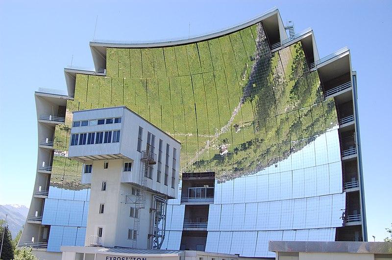 Photo du Monument Historique Four solaire d'Odeillo situé à Font-Romeu-Odeillo-Via