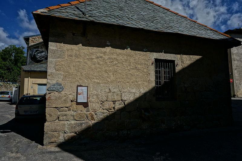 Photo du Monument Historique Puits de la ville, situé dans la ville situé à Mont-Louis