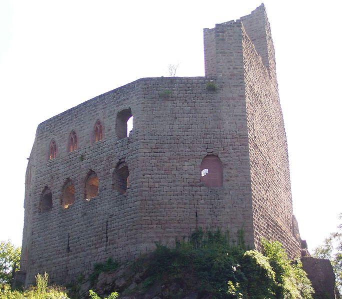 Photo du Monument Historique Ruines du château de Spesbourg situé à Andlau