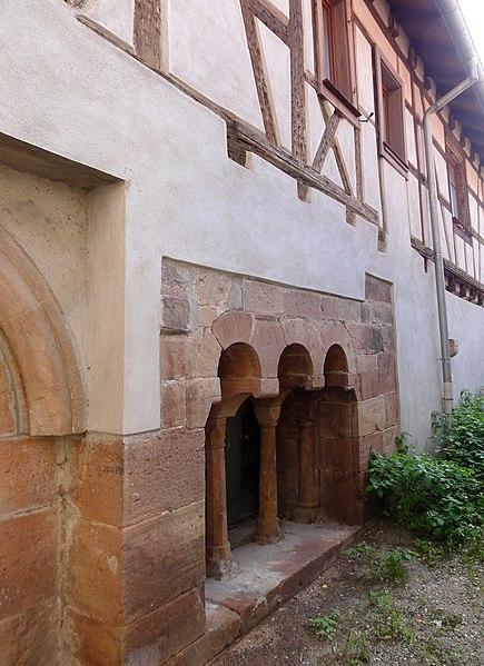 Photo du Monument Historique Immeuble (ancienne salle capitulaire) situé à Andlau