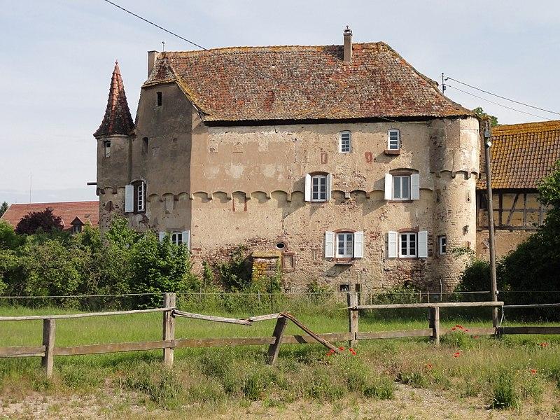 Photo du Monument Historique Château situé à Breuschwickersheim
