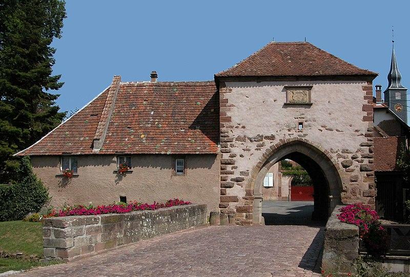 Photo du Monument Historique Porte de la Bruche situé à Dachstein