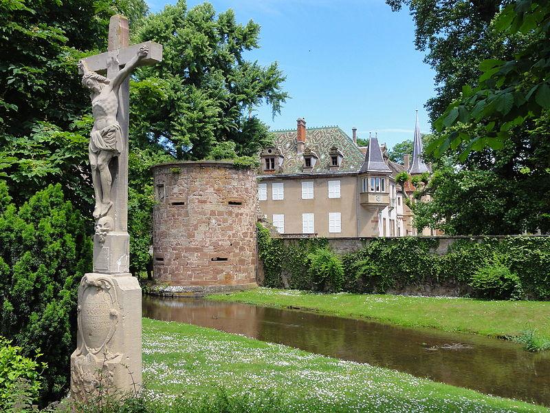 Photo du Monument Historique Anciens remparts (tour de fortifications) situé à Dachstein