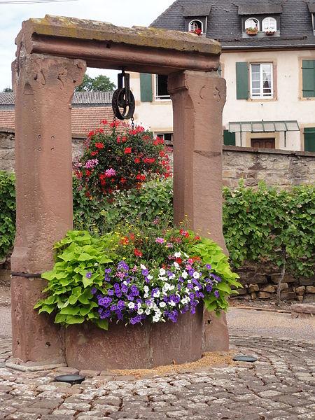 Photo du Monument Historique Puits daté de 1563 situé à Dahlenheim