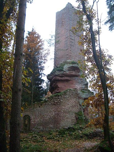 Photo du Monument Historique Château de Wineck : vestiges en totalité situé à Dambach