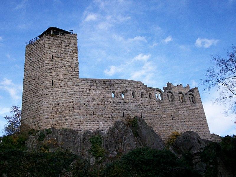 Photo du Monument Historique Ruines du château de Bernstein situé à Dambach-la-Ville