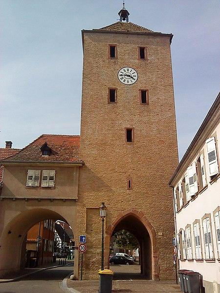 Photo du Monument Historique Porte des Chevaliers situé à Haguenau