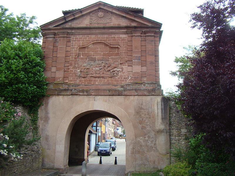Photo du Monument Historique Porte de Landau situé à Lauterbourg