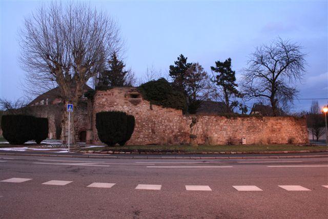 Photo du Monument Historique Enceinte médiévale de la ville (vestiges du mur) situé à Molsheim