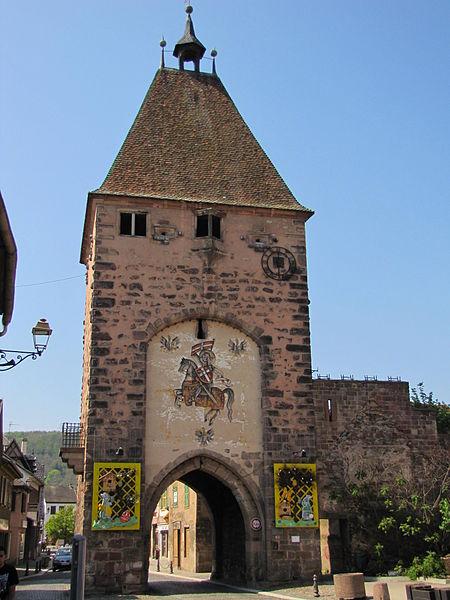 Photo du Monument Historique Ancienne porte de la Ville, dite de Strasbourg situé à Mutzig