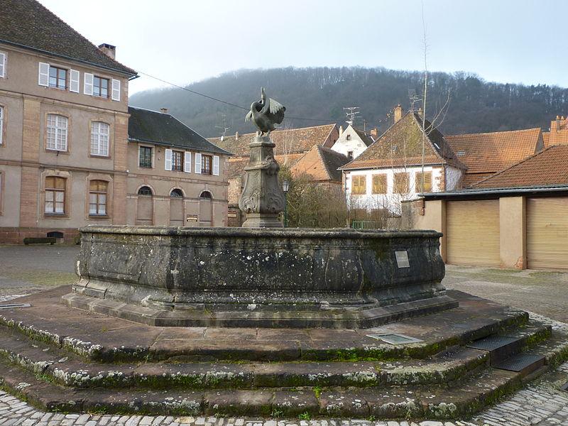 Photo du Monument Historique Fontaine du 18e siècle situé à Neuwiller-lès-Saverne