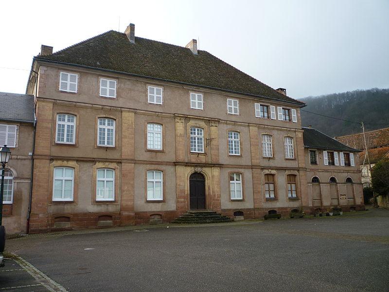Photo du Monument Historique Ancien hôtel de la Prévôté du Chapître situé à Neuwiller-lès-Saverne