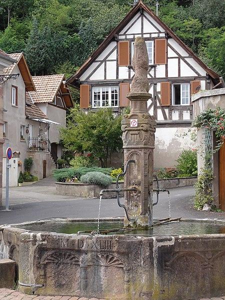 Photo du Monument Historique Fontaine datée de 1543 situé à Nothalten