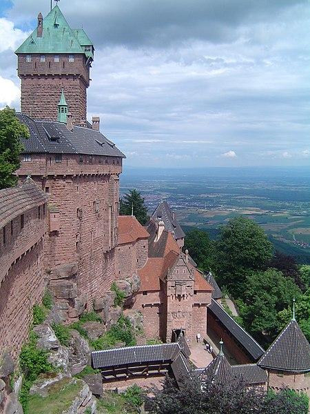Photo du Monument Historique Château du Haut-Koenigsbourg (ou Hohenkoenigsbourg) situé à Orschwiller