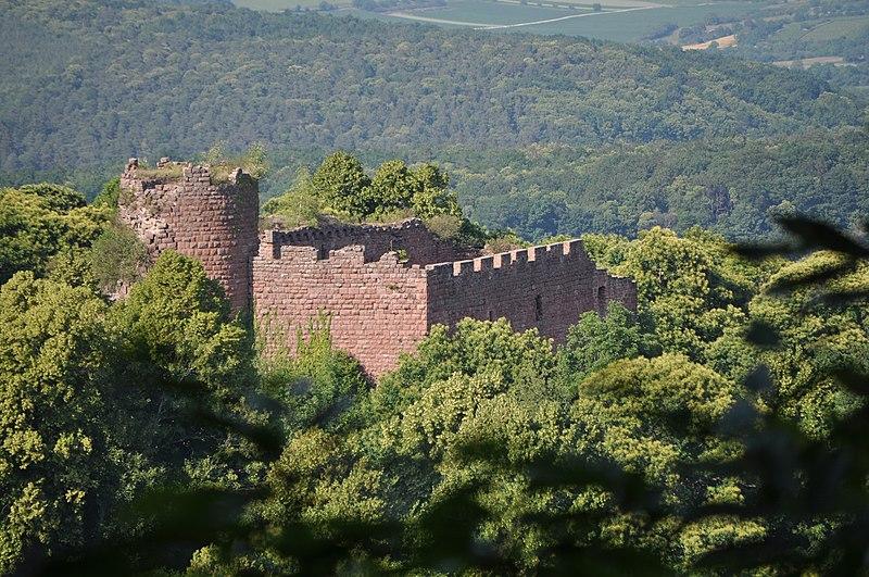 Photo du Monument Historique Ruines du château de Lutzelbourg situé à Ottrott