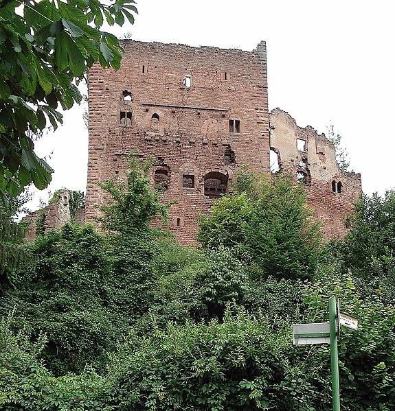 Photo du Monument Historique Ruines du château de Rathsamhausen situé à Ottrott