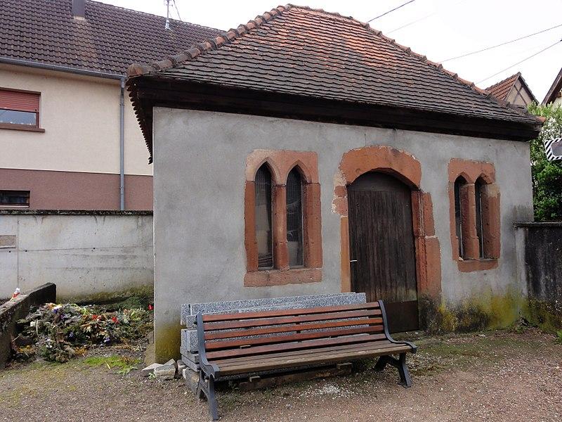 Photo du Monument Historique Cimetière (ancien ossuaire) situé à Pfaffenhoffen