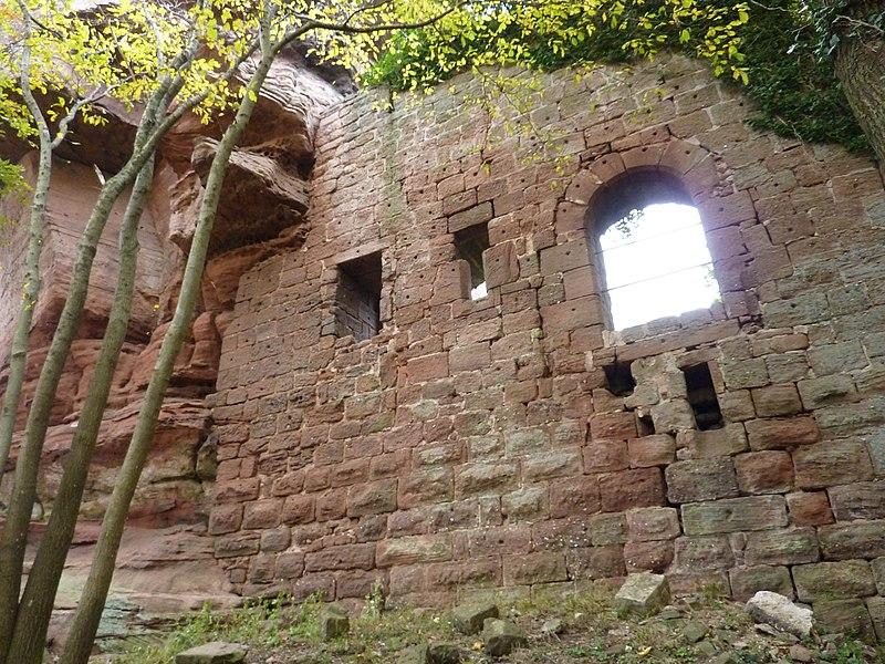 Photo du Monument Historique Ruines du château Ochsenstein situé à Reinhardsmunster