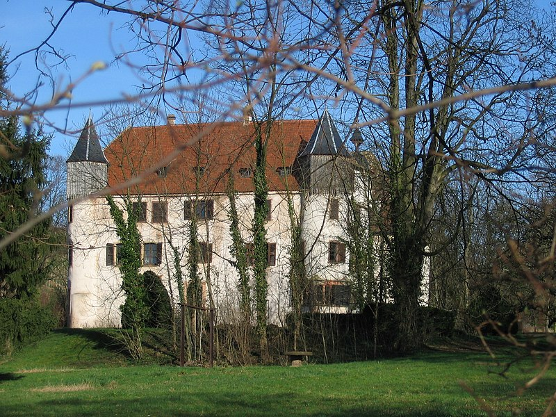 Photo du Monument Historique Château de Scharrachbergheim situé à Scharrachbergheim-Irmstett