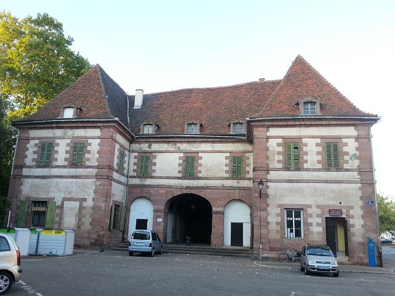 Photo du Monument Historique Porte de Strasbourg situé à Sélestat