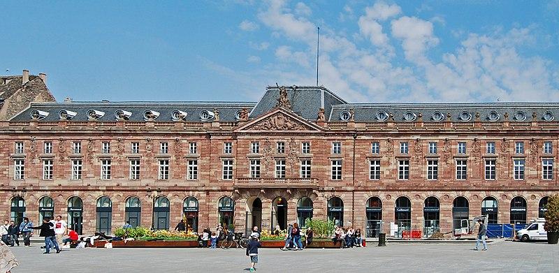 Photo du Monument Historique Bâtiment de l'Aubette situé à Strasbourg