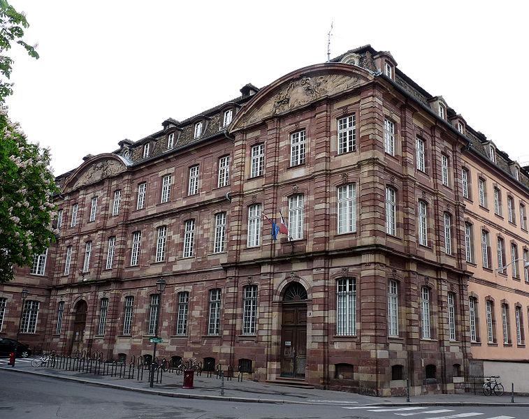 Photo du Monument Historique Lycée Fustel de Coulanges, ancien Collège des Jésuites situé à Strasbourg