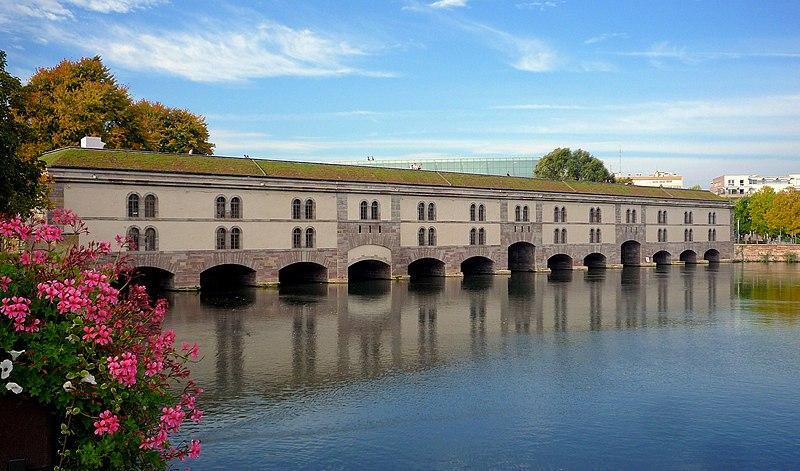 Photo du Monument Historique Grande écluse de fortification dite barrage Vauban et ses abords fortifiés situé à Strasbourg
