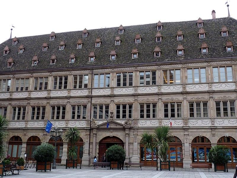 Photo du Monument Historique Ancien hôtel de ville dit Neue Bau, actuellement Hôtel de la Chambre de Commerce et d'Industrie de Strasbourg et du Bas-Rhin situé à Strasbourg