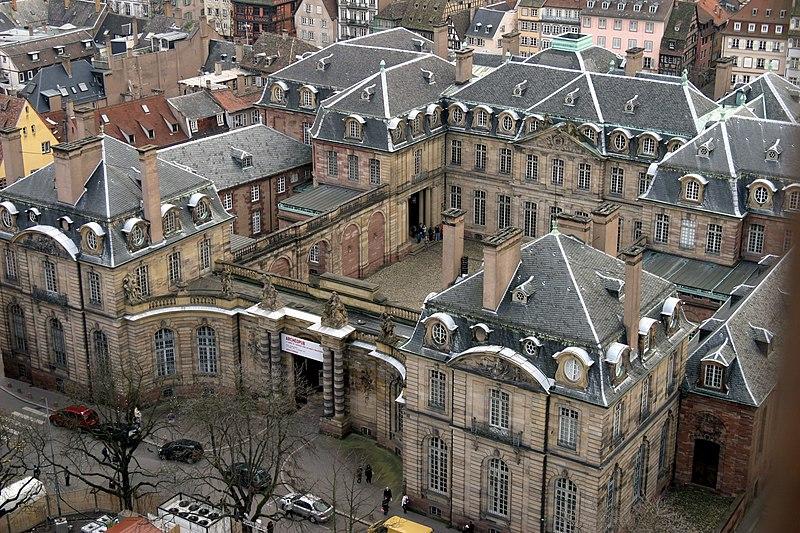 Photo du Monument Historique Palais des Rohan, actuellement Musée archéologique et Musée des Beaux Arts et Arts Décoratifs situé à Strasbourg