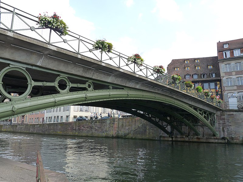 Photo du Monument Historique Pont Saint-Thomas situé à Strasbourg