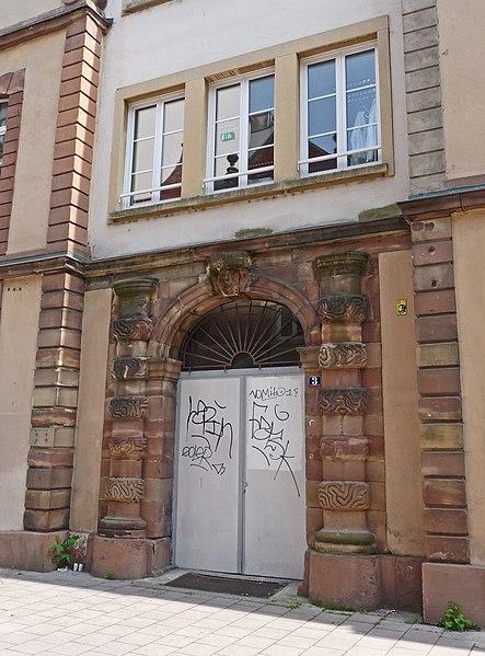 Photo du Monument Historique Ancien corps de garde de la Porte des Juifs situé à Strasbourg