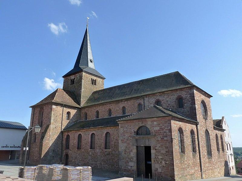 Photo du Monument Historique Ancienne collégiale Saint-Arbogast situé à Surbourg