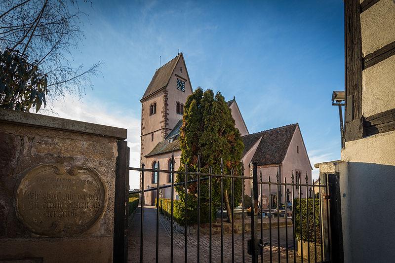 Photo du Monument Historique Eglise protestante Saint-Pierre situé à Wolfisheim