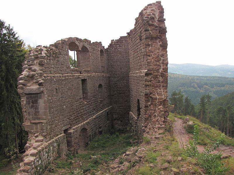 Photo du Monument Historique Château de Dreistein situé à Ottrott